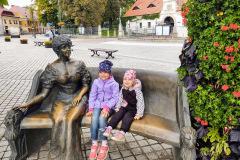 Queen daisy memorial