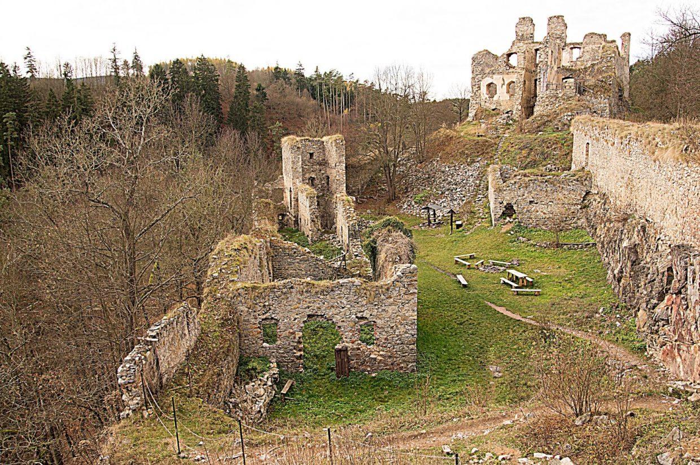 Maiden Stone Divci Kamen