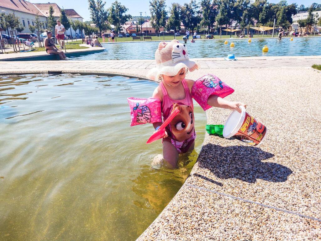 Paddling pool, biotope Oslavany