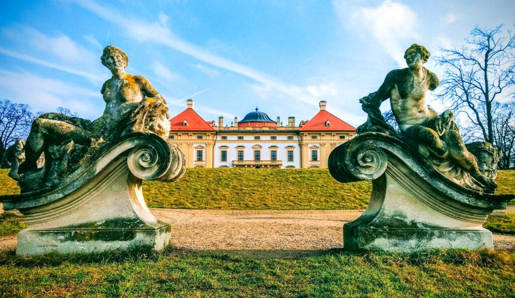 Slavkov chateau garden